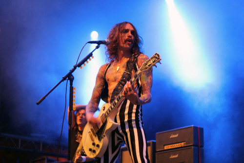 the darkness-live-wiesen-2013
