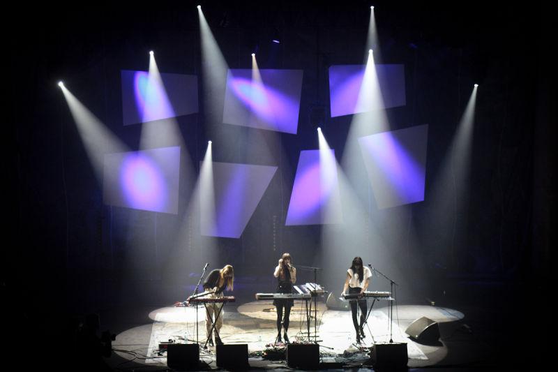 au-revoir-somine-live-waves-festival-2013-2