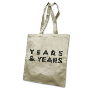 years-and-years-Tasche-hell