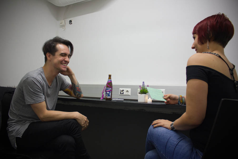 panic-at-the-disco-interview-wien-2016-017