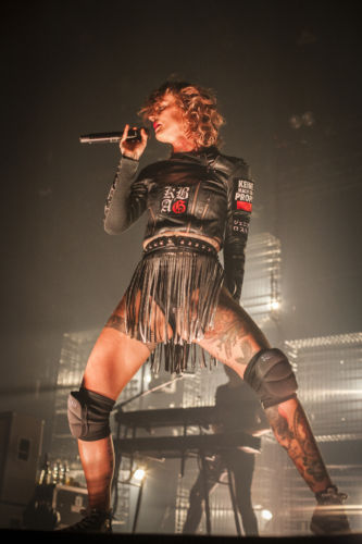 jennifer-rostock-live-gasometer-wien-2017-by-alex-blach