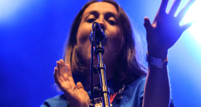 out-of-the-woods-festival-2017-live-alice-merton-by-mario-baumgartner
