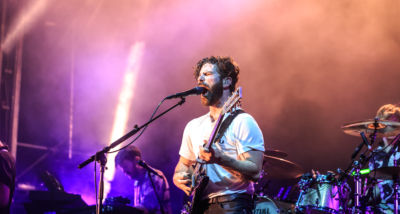 out-of-the-woods-festival-2017-live-foals-by-mario-baumgartner